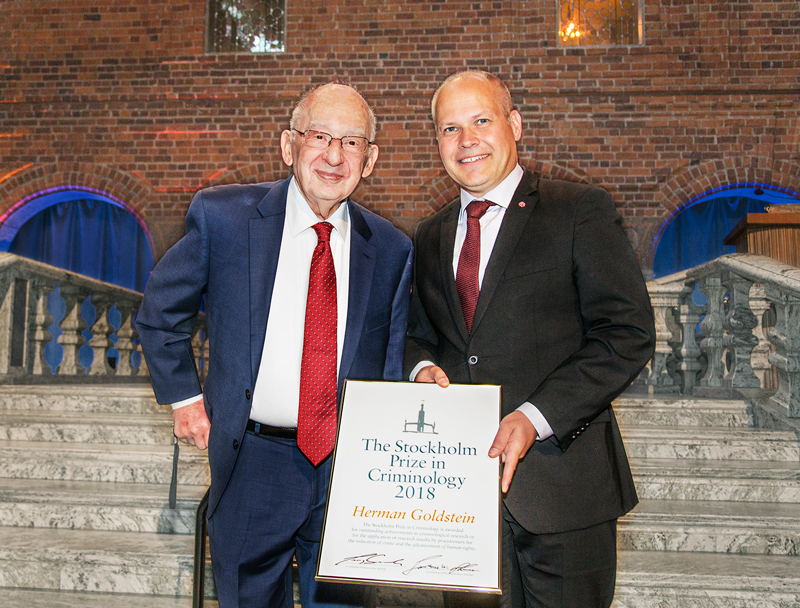Professor Herman Goldstein is presented with the 2018 Stockholm Prize in Criminology from Morgan Johansson, Swedish Minister for Justice and Home Affairs.